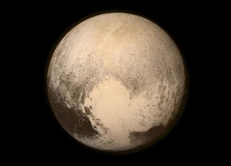 Pluton - zdjęcie wykonane przez sondę The New Horizons