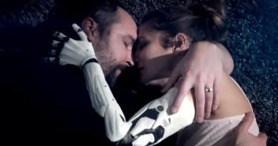 Emocjonujący zwiastun live-action z Deus Ex: Rozłam Ludzkości