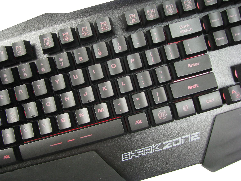 Wszystkie funkcje obsługujemy z poziomu klawiatury.