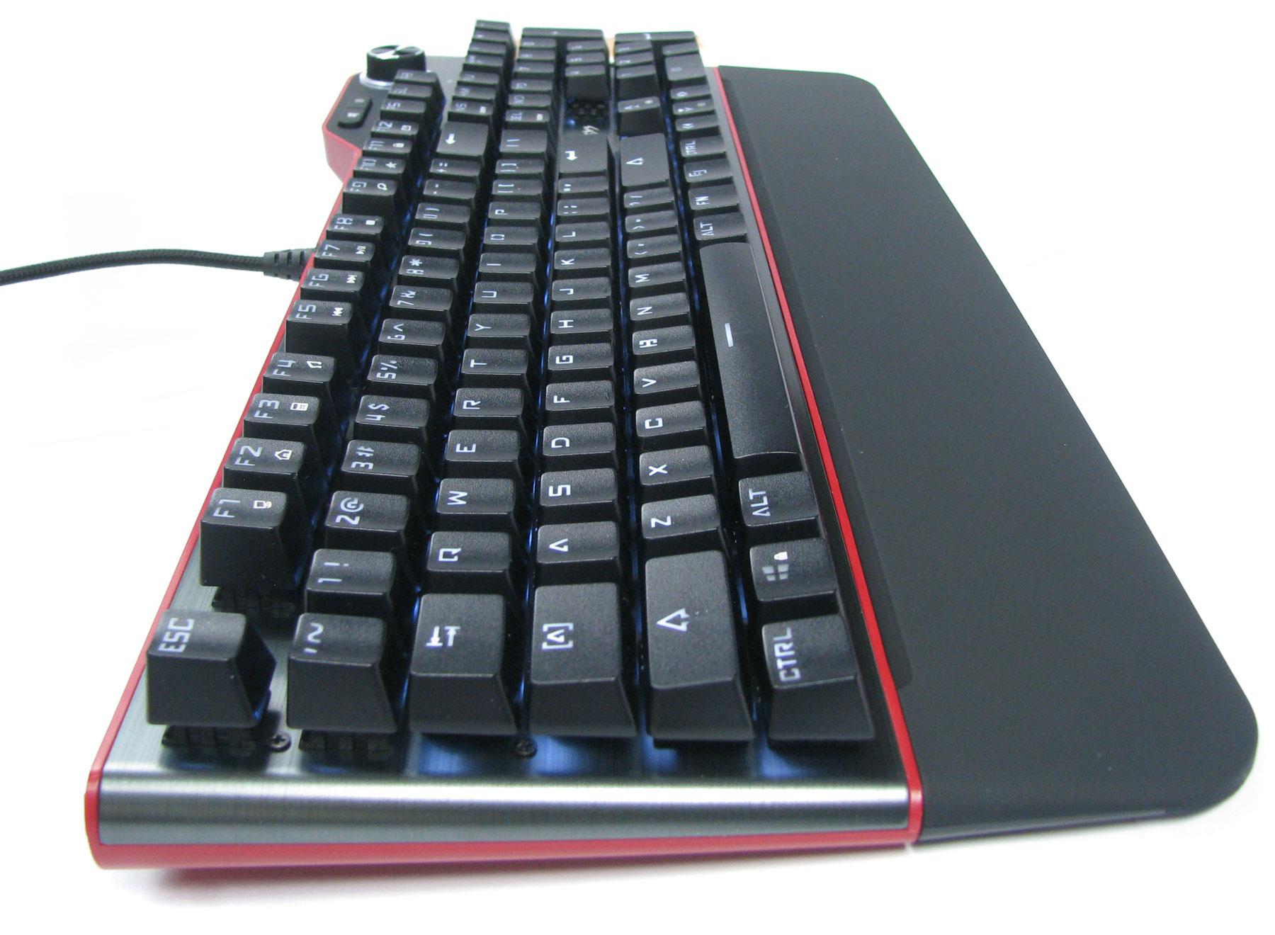 Natec Genesis RX85 pozwala szybko zablokować wszystkie klawisze.