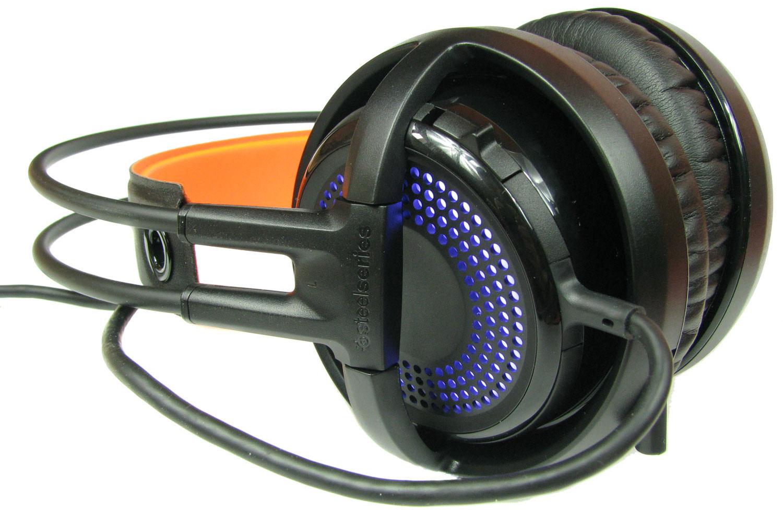 SteelSeries Siberia 350 - na lewym nauszniku umieszczono włącznik/wyłącznik mikrofonu.