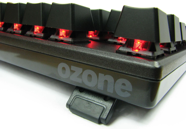 Ozone Strike Battle świeci naprawdę efektownie.