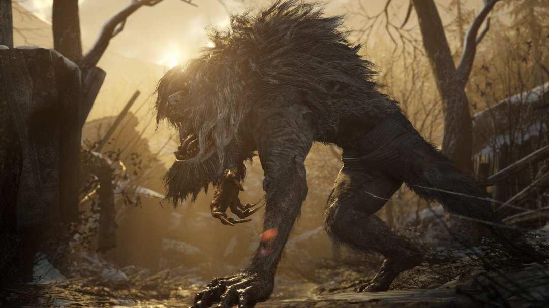 Włochata bestia przypominająca wilkołaka z Resident Evil Village