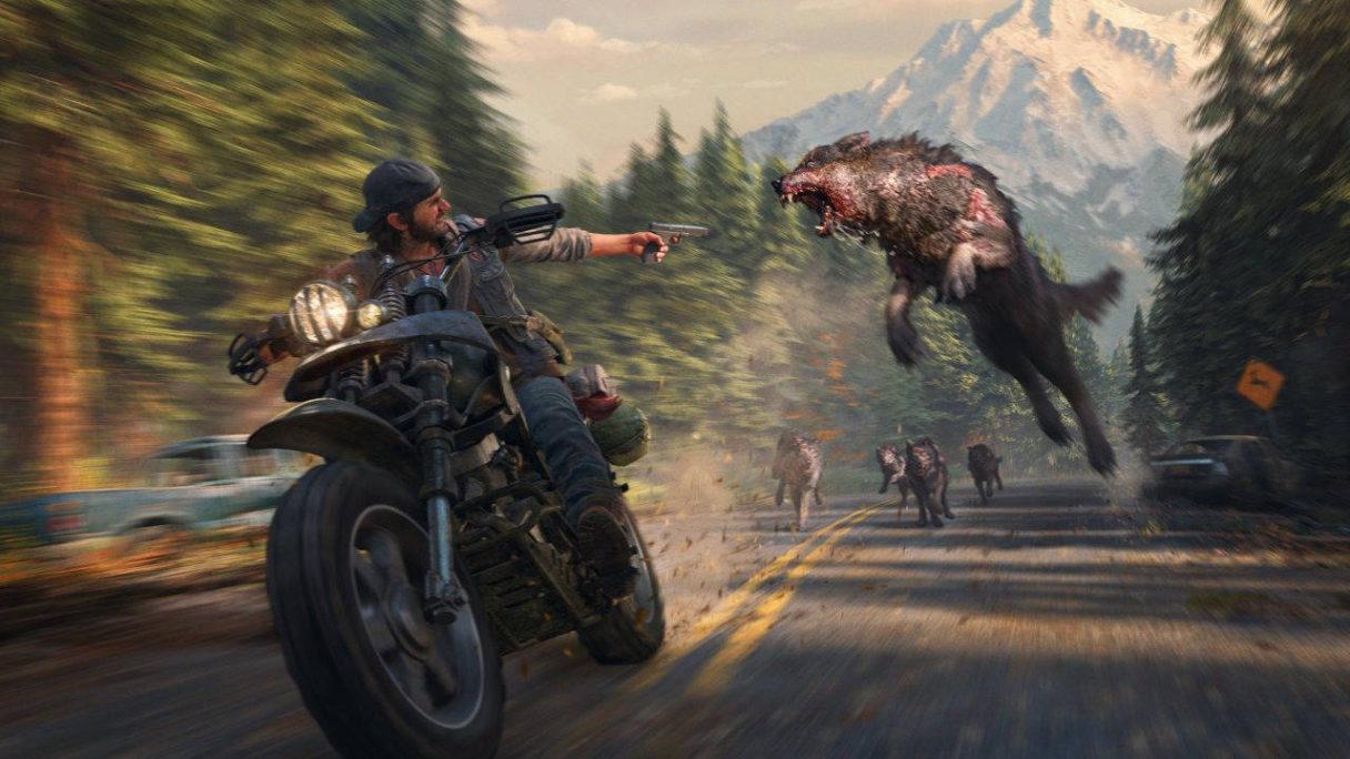 Days Gone - główny bohater ucieka na motorze przed wilkami - PlayStation