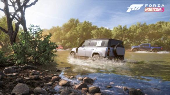 Forza Horizon 5 - jadące samochody przez rzekę
