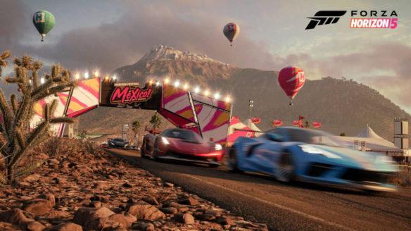 Forza Horizon 5 - wyścig samochodów po pustyni na tle balonów