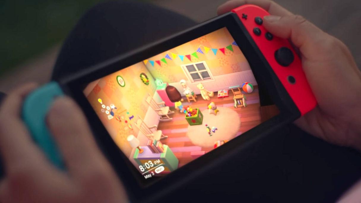 Nintendo Switch - kobieta gra w Animal Crossing