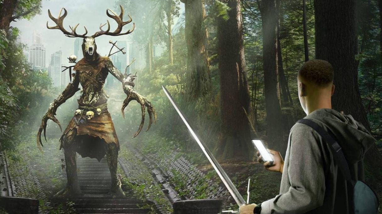 The Witcher Monster Slayer - chłopak z telefonem i mieczem idzie na Leszego