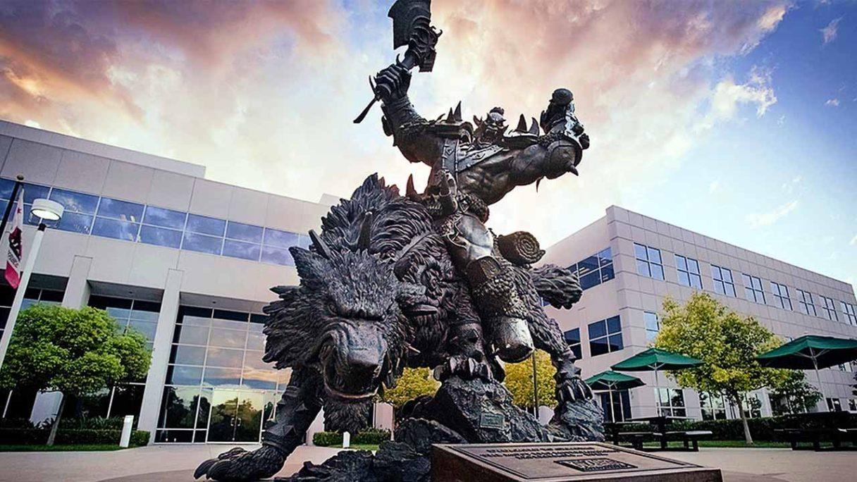 Activision Blizzard - statua z Warcraft