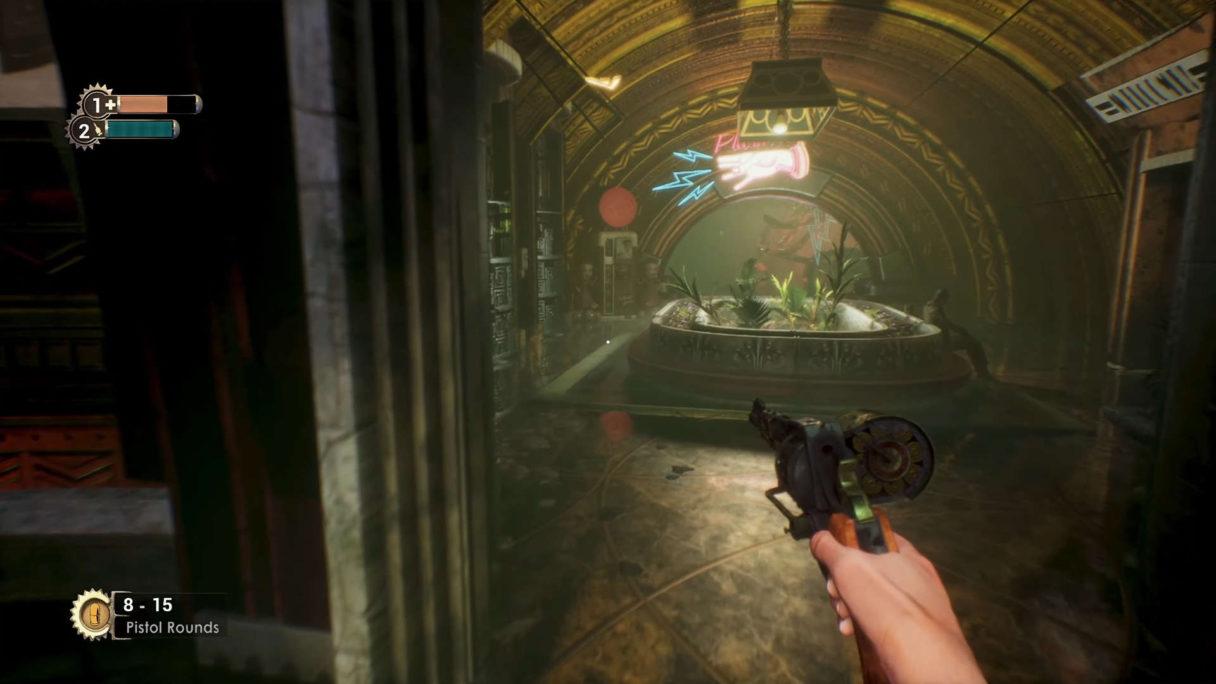Mężczyzna idący z pistoletem po mrocznym pomieszczeniu