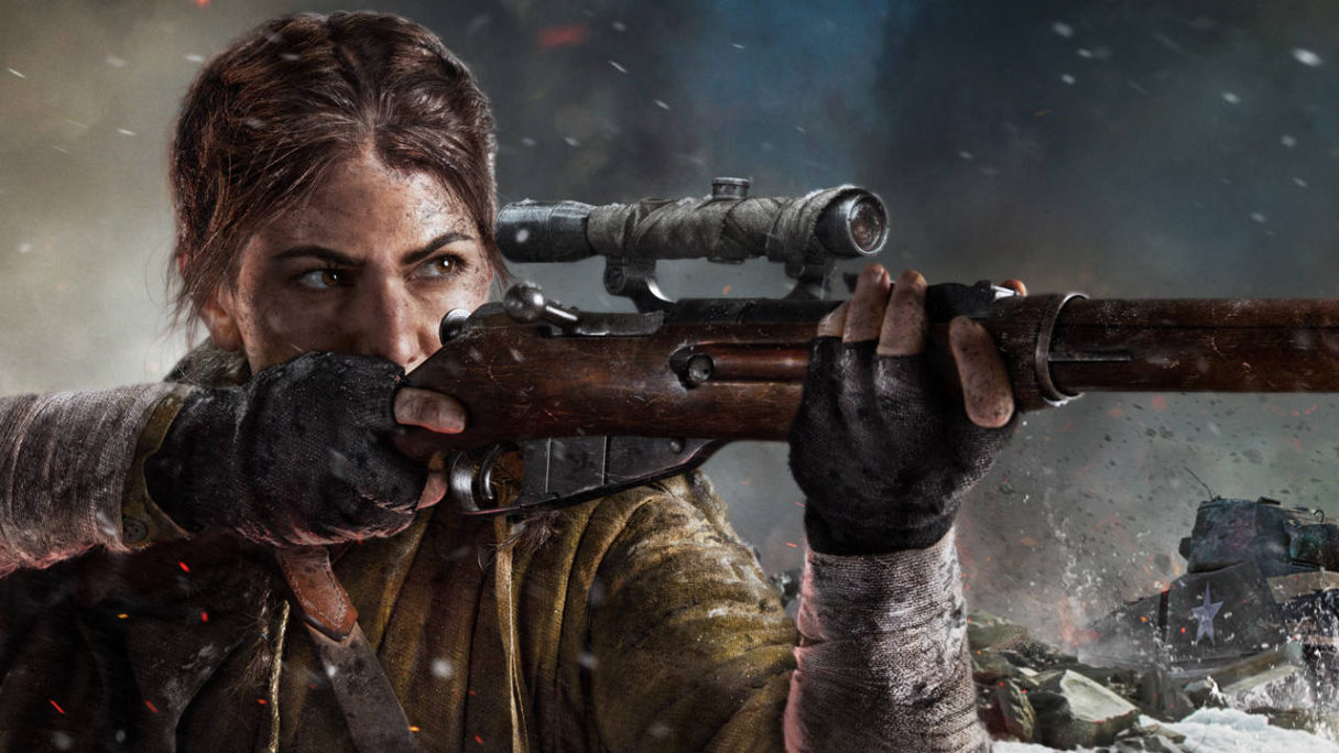 Call of Duty Vanguard - snajperka celuje przez lunetę, w tle czołg i wybuch