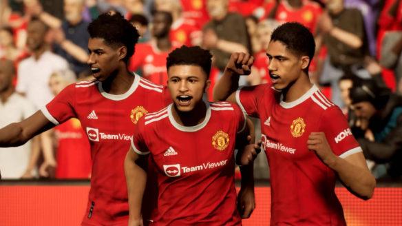eFootball - piłkarze ubrani na czerwono cieszą się