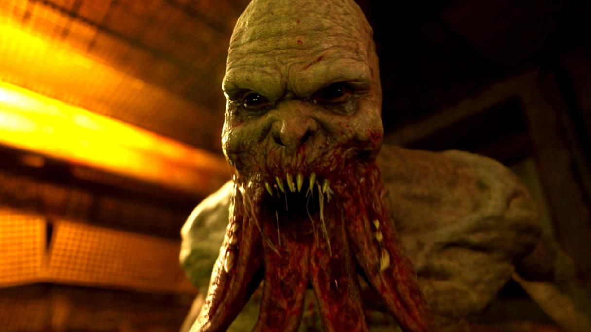 STALKER 2 - mutant otwiera paszczę z ostrymi zębami (obrzydliwy widok)
