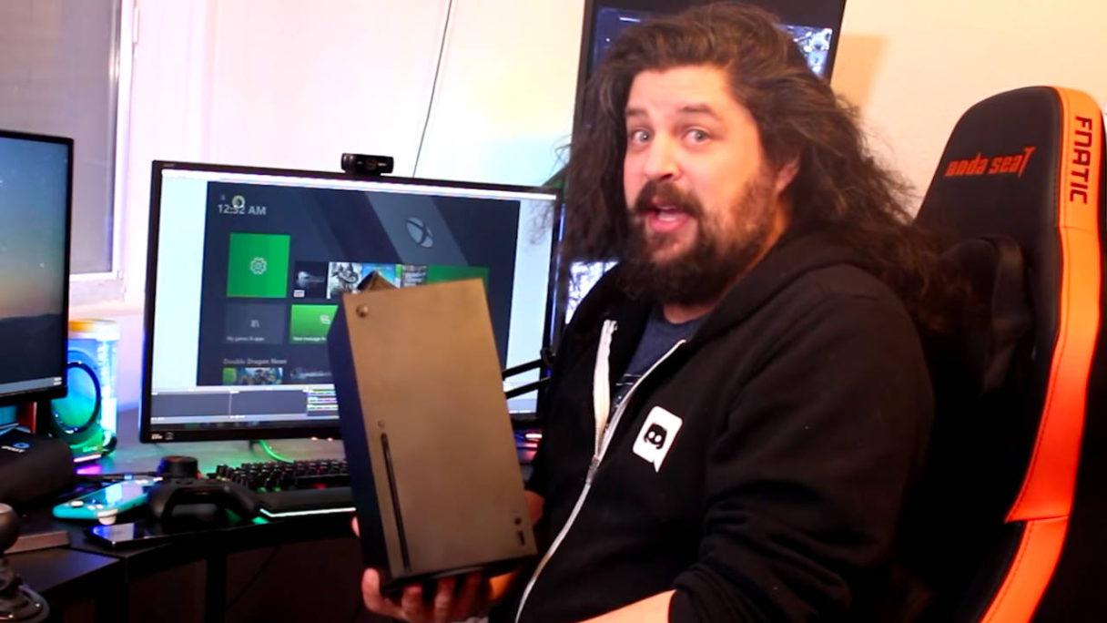 TES VI - Jeff Grubb trzyma Xbox Series X|S
