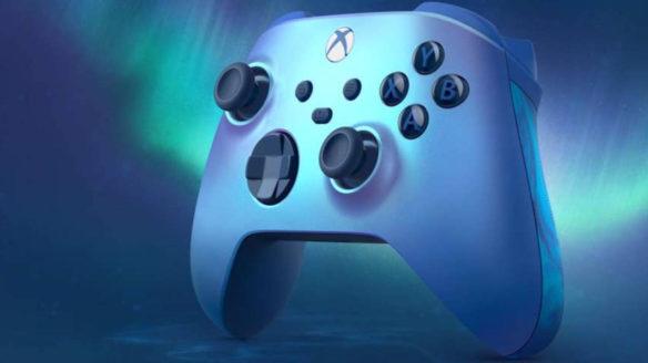 Xbox kontroler Aqua Shift Special Edition na tle zorzy polarnej