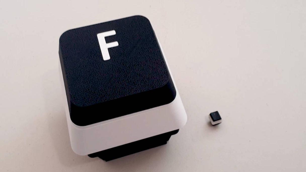 """Call od Duty - ogromny przycisk """"F"""" klawiatury do """"okazywania szacunku"""" obok małego przycisku """"F"""""""
