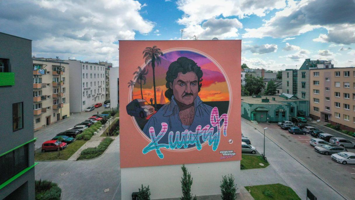 Krzysztof Krawczyk na muralu w Opolu