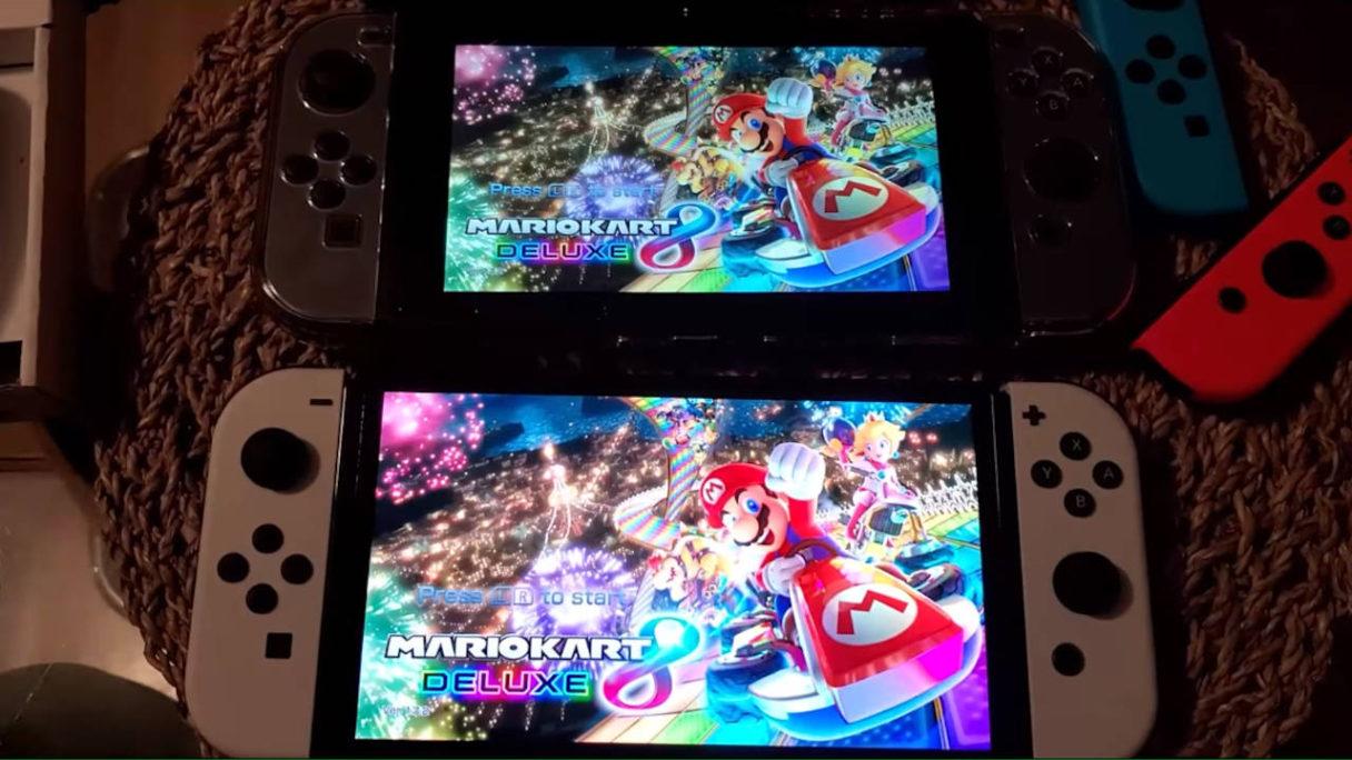 Nintendo Switch OLED - porównanie z Mario Kart 8 Deluxe uruchomionym na dwóch konsolach - nowym i starym modelu